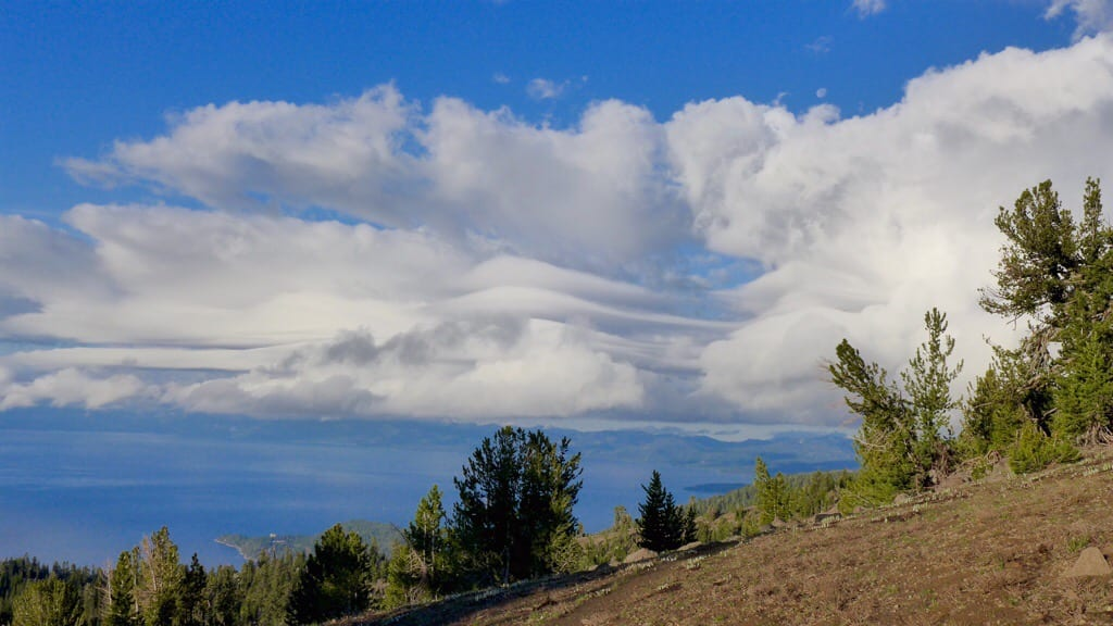 Morning lenticular clouds